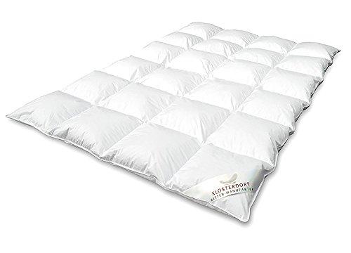 Klosterdorf Bettenmanufaktur Premium Ganzjahresdecke \'\'grazil\'\' | 135x200 cm | 480 Gramm | LEICHT | Handarbeit aus Deutschland | Daunendecke | Für einen gesunden Schlaf