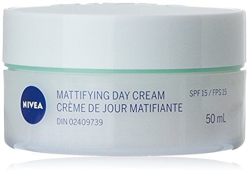 NIVEA Mattifying Day Cream SPF15, 50mL