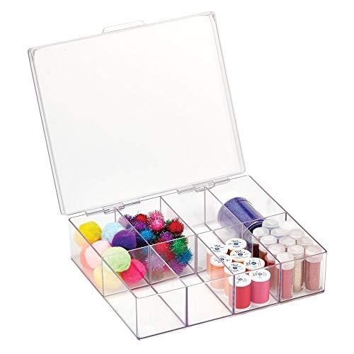 mDesign Sortierbox für Näh- und Bastelbedarf – quadratische Aufbewahrungsbox mit Deckel und 8 Fächern aus Kunststoff – Bastel- und Nähkästchen für Nadeln, Nähgarn, Perlen etc. – durchsichtig