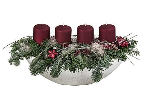 Dehner Adventsgesteck Dark Berry in Jardiniere, mit 4 Kerzen, Länge 39 cm, Naturmaterialien, silber/grün/beerenrot