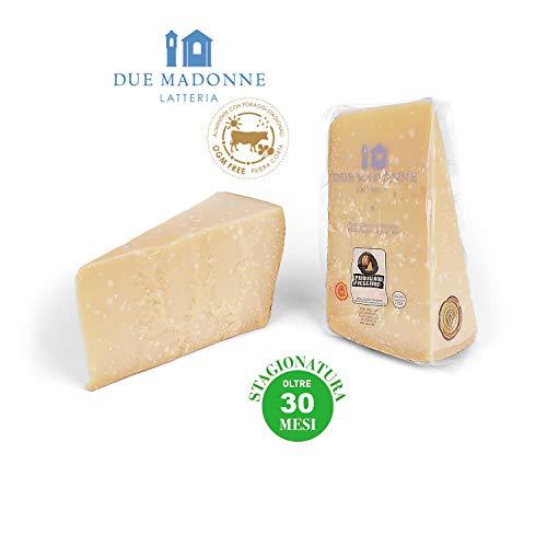 Parmigiano Reggiano Dop di primissima scelta dal 1939 Stagionatura 30 mesi, ottimo per la grattugia. Si accompagna perfettamente ad un aceto balsamico Latte da bovine alimentate con prodotti naturali privi di O.G.M.