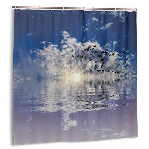 KOSALAER Duschvorhang,Ozeanblauer bewölkter Himmel Fliegende Möwe Vogel Sonnenuntergang Meerwasser Reflexion natürlich,Vorhang Waschbar Langhaltig Bad Vorhang Wasserdichtes Design,mit Haken 180x180cm
