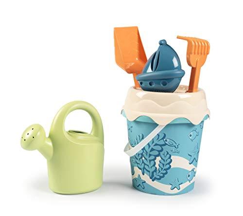 Smoby Green- Cubo de Playa con Pala, Rastrillo, Regadera, Tamiz y Molde de Arena, Fabricado en Bioplástico Sostenible Procedente de Caña de Azúcar, Reciclable, Embalaje 100% Reciclado, 18 Meses