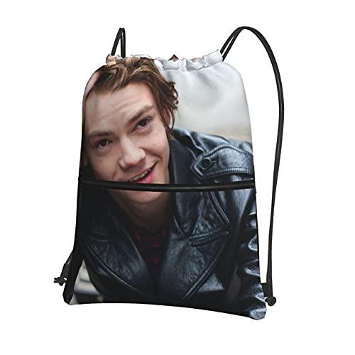 Thomas Brodie Sangster Mochila deportiva con cordón, bolsa de gimnasio con bolsillo con cremallera, mochila impermeable con cordón, mochila escolar o niño o niña