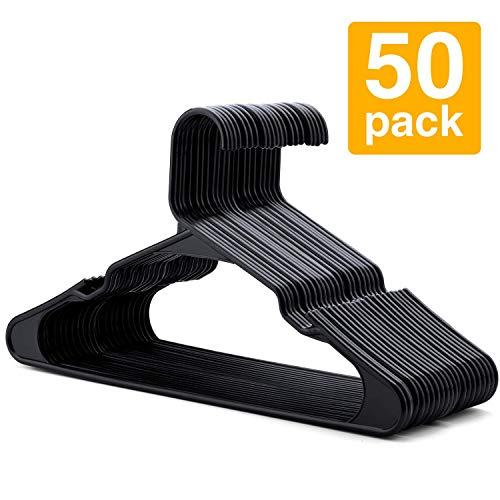 HOUSE DAY Perchas de plástico Paquete de 50 Perchas estándar para Ropa Colgadores con Muescas Delgadas y Que ahorran Espacio (Negro)