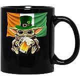 Baby #Yoda Hold Beer Taza de café divertida del día de San Patricio para mujeres y hombres Tazas de té