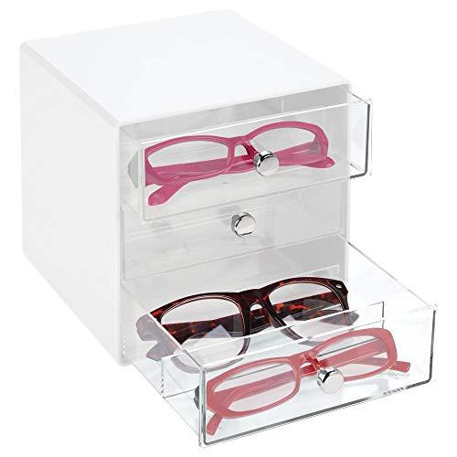 mDesign Aufbewahrungsbox für Brillen – Brillenablage aus Kunststoff in 3 Fächern – Brillenaufbewahrung für Brillen, Sonnenbrillen und Lesebrillen – durchsichtig und weiß