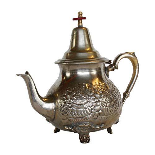 Casa Moro Orientalische antike Teekanne Marrakesch Silber 1 Liter mit 4 Füßen | wiederaufbereitete alte Messing-Kanne aus Marokko | Handgefertigt mit arabischen Mustern verziert | TA6028