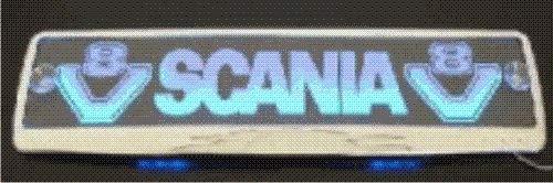 LED-Leuchtschild mit Scania-V8-Logo, 52x11,5cm ✓ Ideale Geschenkidee ✓ 18 LEDs ✓ Lasergraviert | Edles Neonschild als Truck-Accessoire | Beleuchtetes LED-Schild für den 12/24Volt-Anschluss | Ideales LKW-Zubehör für Trucker in verschiedenen Farben