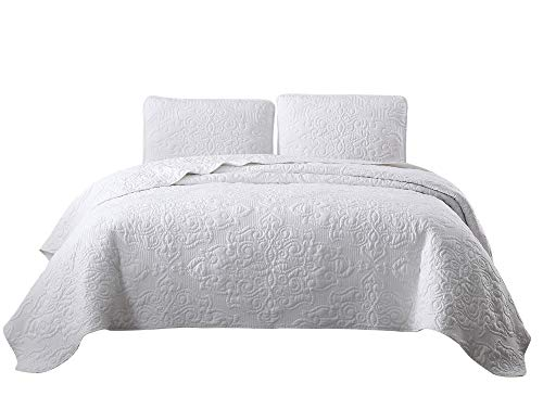 Chezmoi Collection Frederick 3-Piece Cooling Bamboo Fiber Quilt Bedspread Embroidered Medallion Damask Woven Quilted Coverlet Set (King, White)