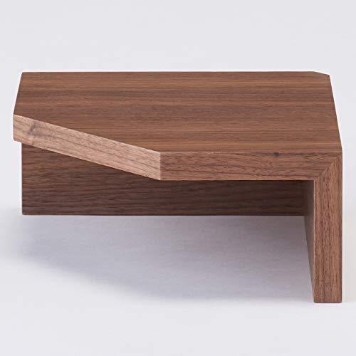 コーナー棚は単品で使うほか、縦に並べたり、先ほどご紹介した「棚」と繋げて使う方法もあります。家具が置きにくいコーナーの演出にぴったりです。