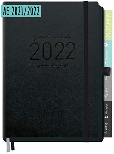 Chäff-Timer Deluxe Kalender 2021/2022 A5 [All Black] Terminplaner 18 Monate: Juli 21 - Dez. 22 | Terminkalender, Wochenplaner mit Stiftschlaufe, Gummiband & Einstecktasche | nachhaltig & klimaneutral