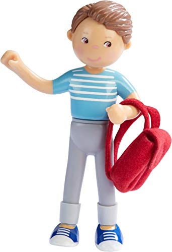 HABA 304742 - Little Friends – Papa Karsten, Minipuppe ab 3 Jahren, inklusive Rucksack, strapazierfähige Biegepuppe aus Kunststoff für lange Spielfreude