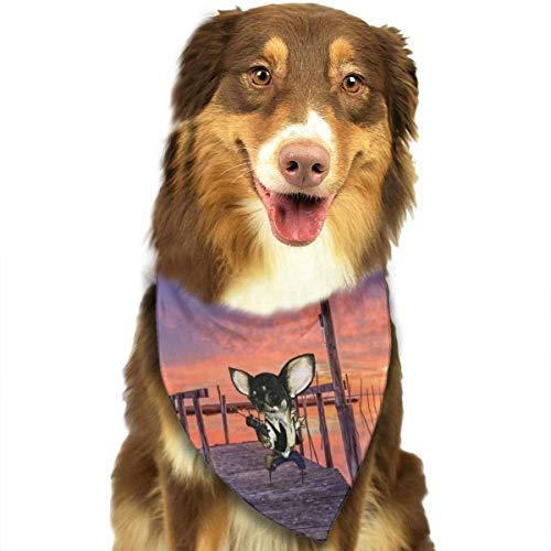 Ratón con una Pistola en un Camino de Madera en The Sunset Dog Bandana Collares Triángulo Pañuelo Baberos Bufandas Accesorios Mascotas Gatos