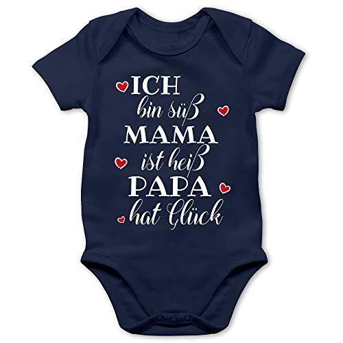 Shirtracer Sprüche Baby - Ich Bin süß Mama ist heiß Papa hat Glück Herzen - 3/6 Monate - Navy Blau - lustige Baby Kleidung Mama - BZ10 - Baby Body Kurzarm für Jungen und Mädchen
