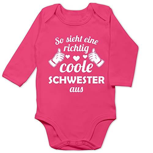 Shirtracer Geschwister Bruder und Schwester - So Sieht eine richtig Coole Schwester aus - 12/18 Monate - Fuchsia - Geschwister - BZ30 - Baby Body Langarm