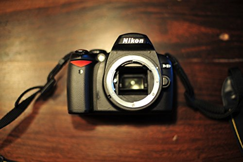 Nikon D40 6.1MP Digital SLR Camera (Body Only)