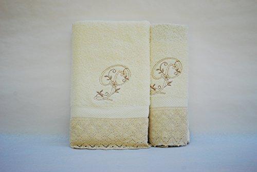 (P). Juego de 3 toallas beije(100x150, 50x100, 50x30) LETRAS INICIALES BORDADAS, 100%algodón,, fabricado en Portugal.