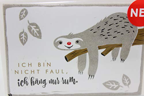 Happy Life Sheepworld, 45701 - Magnet mit Umschlag Nr. 10, Faultier, Ich Bin Nicht faul, ich häng nur Rum.. 5,5cm x 8cm