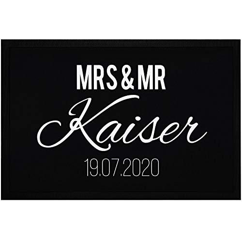 SpecialMe® Fußmatte Mrs & Mr Nachname Name Datum personalisierbar Geschenk zur Hochzeit rutschfest & waschbar weiß 60x40cm
