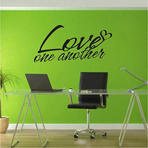 ZWGJWJ 56CMx26.6CM Love One Another Motto Art Home Décoration murale en PVC