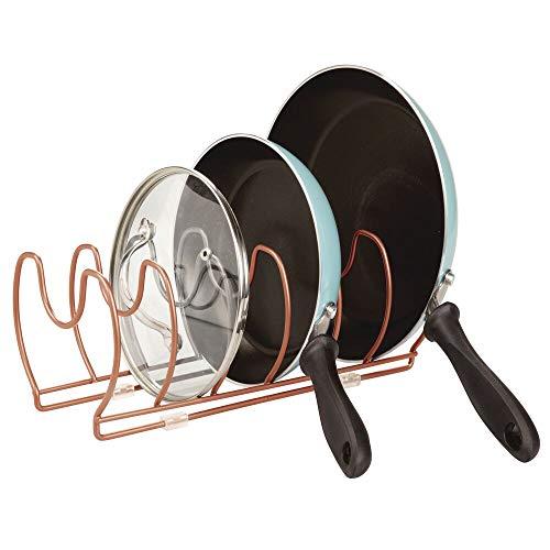 mDesign Soporte para sartenes y Tapas de ollas – Compacto Organizador de Tapas de ollas con 6 Compartimentos – Colgador de sartenes de Metal para Ahorrar Espacio – Color Bronce
