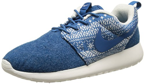 Nike Women's WMNS Roshe One Winter Running Shoes Multicolour Size: 3.5