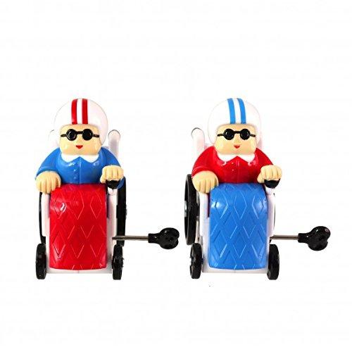 Die Oma im Rollstuhl Aufziehfiguren im 2er Set
