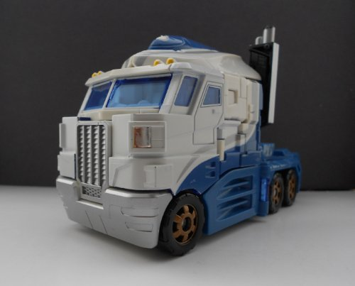 Transformers Classic Voyager Battle for Autobot City Ultra Magnus VS Skywarp