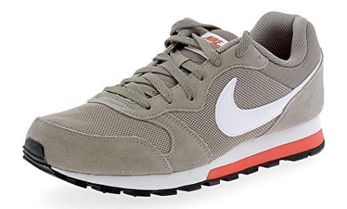Nike MD Runner 2, Zapatillas Hombre, Marrón (Sepia Stone/Habanero Red/White 203), 39 EU