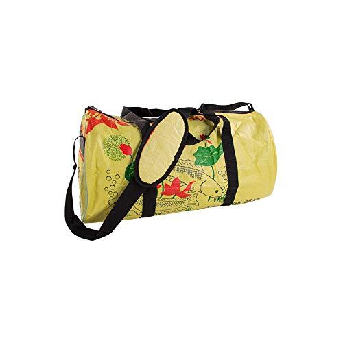 Upcycling Sporttasche Größe L aus recyceltem Zement- /Fischfutter-/Reissack, Farbe/Aufdruck:Fisch Gelb-Grün