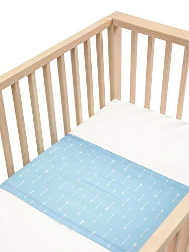 Sleepy Silk – 25 Momme Maulbeerseide für Babybetten, keine kahlen Stellen oder Haarausfall für Neugeborene, hypoallergen und perfekt für empfindliche Haut, SIDS sicheres Design, himmelblaue Pfeile