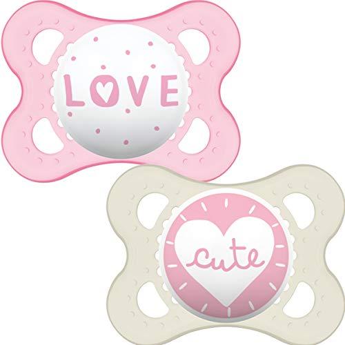 MAM Style 0-6 Monate (2 Stück) Babyschnuller mit selbststerilisierendem Reiseetui für Neugeborene, Rosa (Designs können variieren)