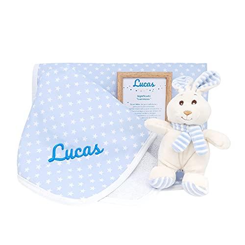 Mi Verano Mabybox – Canastilla de regalos para bebé personalizada con peluche conejito y arrullo de estrellas con el nombre del bebé – Box de Regalos personalizados para Bebés. (Azul)
