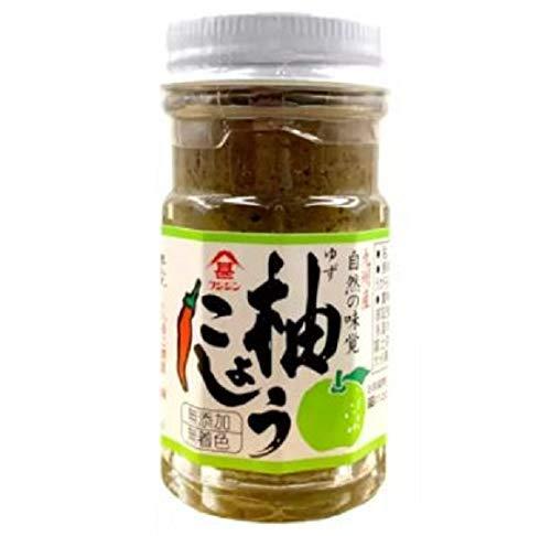 Fujijin Yuzu Kosho 60 g – Yuzukosho ist eine Paste aus fermentiertem Chilischote, Yuzuschälen und Salz. Fügen Sie einen Spritzer dieser Paste für die würzige Zest von Yuzu in jede Schale
