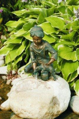 Loris mit Hund Bronzefigur Skulptur aus Bronze echte Handarbeit Gartenskulptur Gartenfigur Garten-Statue