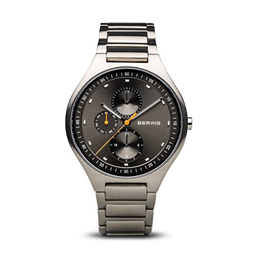 BERING Herren Analog Quarz Titanium Collection Armbanduhr mit Titan Armband und Saphirglas 11741-702