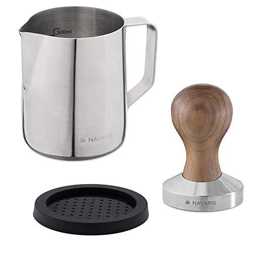 Navaris Espresso Tamper für Kaffee 51mm - Stempel Stampfer aus Edelstahl mit Holzgriff - Kaffeestampfer inkl. Silikonmatte und Milchkännchen