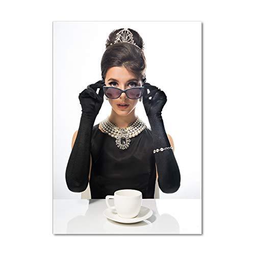 Tulup Glas-Bild Wandbild aus Glas - Wandkunst - Wandbild hinter gehärtetem Sicherheitsglas - Dekorative Wand für Küche & Wohnzimmer 70x100 - Menschen - Eine Frau mit Brille - Schwarz