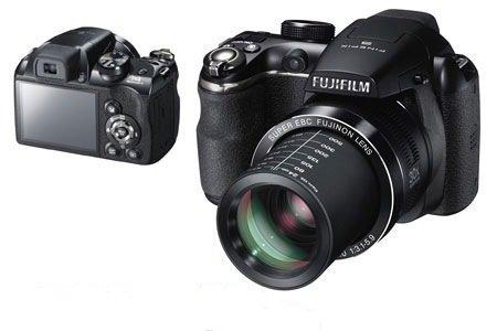 Fujifilm FinePix S4300 14 MP Digital Camera with Fujinon 26x Wide Angle Optical Zoom (Black)