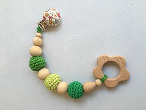 Juguete de dentición de madera en tonos Verde hecho a mano. Un regalo original y práctico para el bebé.