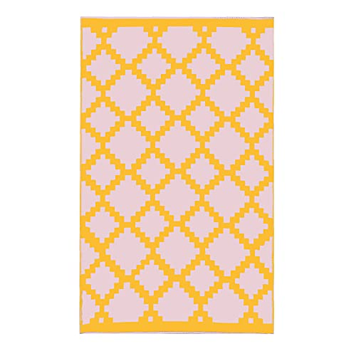 Trava Home - Arnasa Outdoor Rug - Reversible, Recycled Plastic, Easy to Clean - Sunset Blush Geometric - 4  x 6