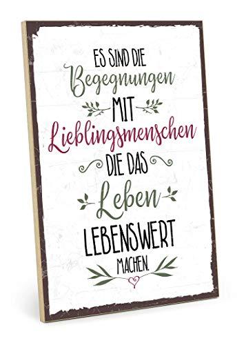 TypeStoff Holzschild mit Spruch – BEGEGNUNGEN MIT Lieblingsmenschen – im Vintage-Look mit Zitat als Geschenk und Dekoration zum Thema Freundschaft (19,5 x 28,2 cm)