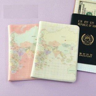 かわいい 世界地図柄 ベビーピンク & クリーム パスポートケース  2冊セット カード チケット 色々 挟めて 便利