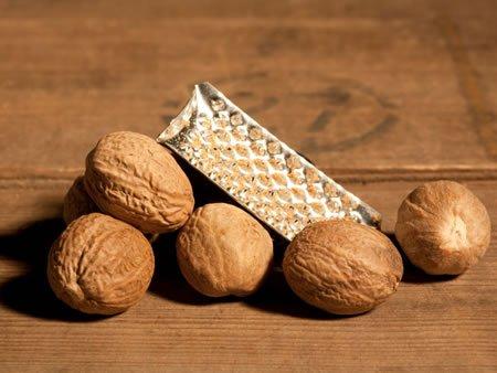 ナツメグ 原産地:東インド諸島、モルッカ諸島 生産国:スリランカ 1袋 20g 無塩・無油 無添加 砂糖不使用 有機 オーガニック フェアートレード organic vegan ヴィーガン ベジタリアン サステナブル スパイス Ceylon Nutmeg