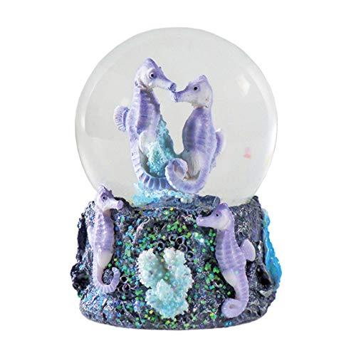 Water Globe - Seepferdchen von Deluxebase. Seepferdchen Schneekugel mit Harzfigur und geformter Basis. Tolle Wohndekoration, Ornamente und Geschenke.