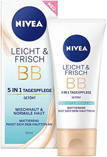 NIVEA Leicht & Frisch BB 5 in 1 Tagespflege 24h Feuchtigkeit (50 ml), BB Cream für Mischhaut und normale Haut, getönte Tagescreme mit natürlichem Magnolia Extrakt