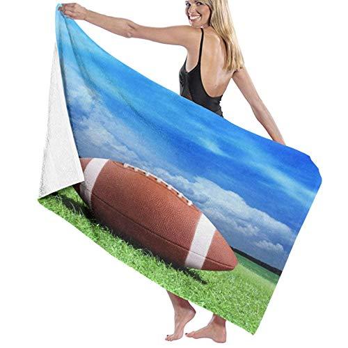 Toalla de microfibra de secado rápido, diseño de fútbol en el césped bajo el cielo azul, para niños y adultos, 80 x 130 cm
