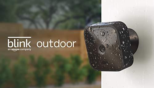 Blink Outdoor | Cámara de seguridad HD inalámbrica y resistente a la intemperie, con 2 años de autonomía, detección de movimiento | 3 cámaras