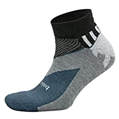 Hand-linked seamless toe eliminates abrasion across the top of the foot New vtech arch support System for added structure Mesh construction for added ventilation Reinforced heel pocket Medium volume construction